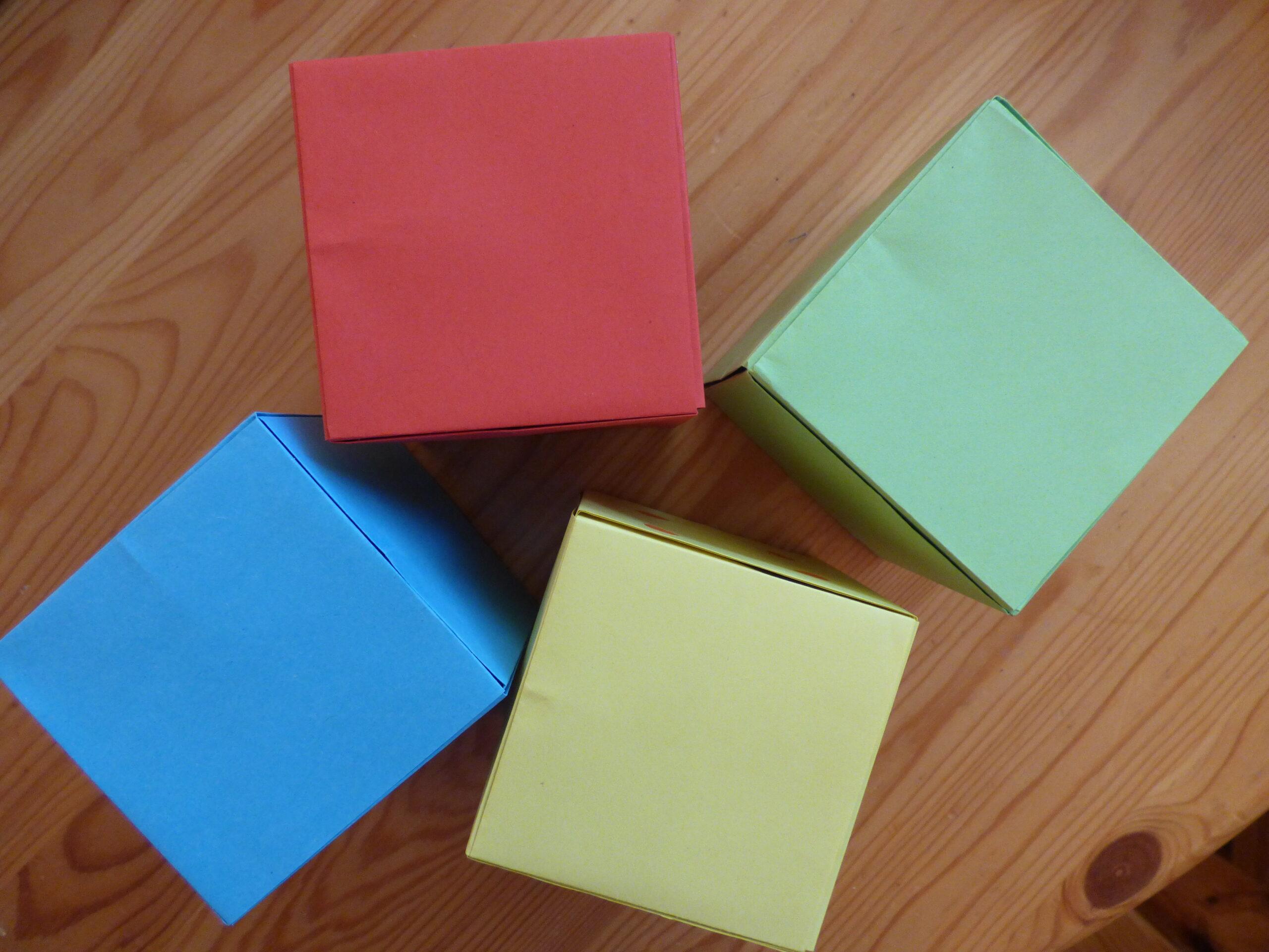Fabriquer un cube ou dé en papier 13