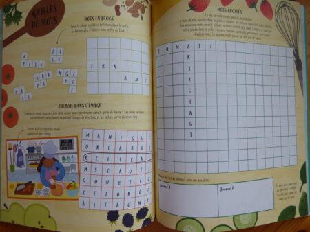 Cahier d'activités avec papier et crayon, extrait